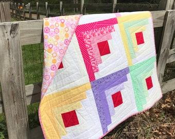 Log Cabin quilt, baby quilt, lap quilt