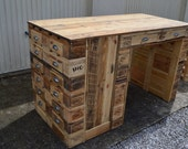 Central kitchen island, bar, wooden pallet