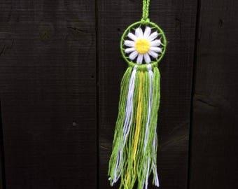 Mini daisy dream catcher