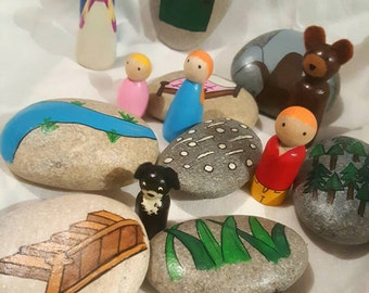 We're going on a Bear hunt! Story stones and peg dolls