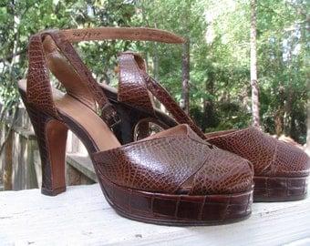 Vintage 40's Alligator Platform Peep-Toe Ankle Strap Heels Size 7 A Broken Strap