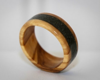 Mix of stones and olive wood ring