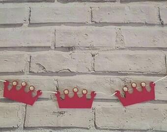 Princess crown wood bunting.
