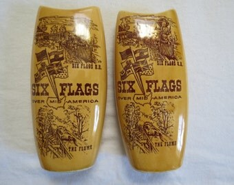 Six Flags Over Mid-America Vintage Souvenir Wooden Salt & Pepper Shakers The Flume SS Railroad