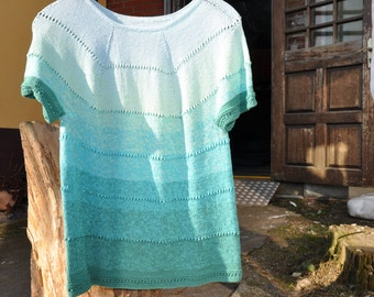 Short sleeve sweater size 38/40 from color gradient yarn