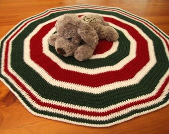 Red Green and White Crochet Pet Blanket - Cat Blanket - Dog Blanket - Pet Blanket - Circle Blanket - Lap Blanket