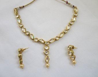 Beautiful kundan/jadtar/jadau and pearls necklace set with earrings