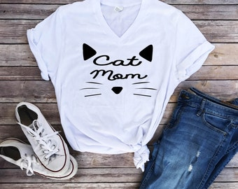 Cat mom, cat lover, cat shirt, mom life, Mother's Day gift, gift for her, cat mommy, mom of cats, mom life