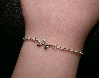 Silver plated chain bracelet with twig charm
