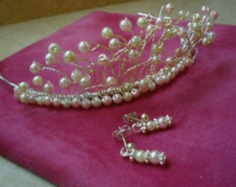Pearl wedding tiara,Brides wedding tiara,Pearl bridal tiara,Ivory pearl tiara,Pink pearl tiara.Tiara for prom,ball,Ivory pearls