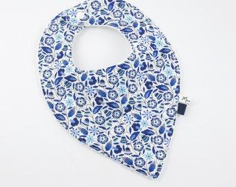 Bib for baby bandana, blue flowered Liberty form