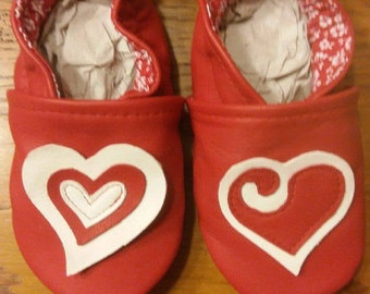 slippers leather heart