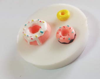 Flexible silicone mold 3 donuts in different sizes!