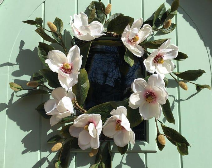Magnolia spring wreath - Ivory
