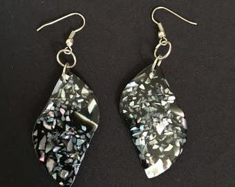 Black Shell Earrings / Organic Jewelry / Beach Jewelry