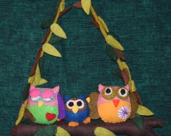 Handcrafted felt 3 owl on branch  wall hanging gift decoration