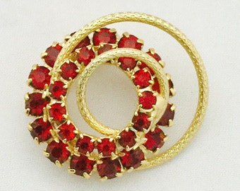 1960's Gold and Red Brooch
