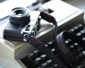 Personalized camera strap made by nylon and leather : The Street series for dslr slr mirrorless fuji sony canon nikon olympus panasonic