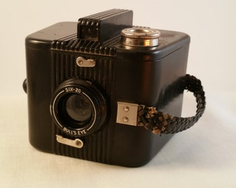 Vintage Six-20 Bull's Eye Camera, Eastman Kodak, Bakelite Art Deco