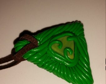 Polymer pendant in green