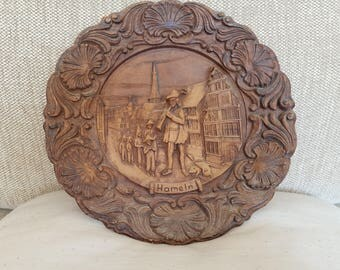 Wooden decorative plaque in 3D, German