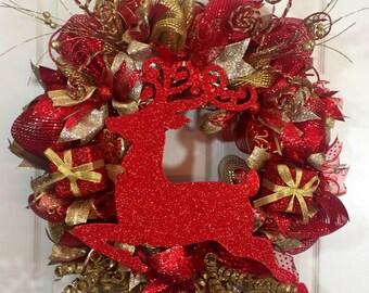 Red Elegance Reindeer Wreath