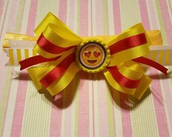 Heart eyes emoji hair bow, Emoji hair bow, Emoji birthday party, Emoji decorations, Emoji outfit, Emoji clothes, Emoji gift, Party supply