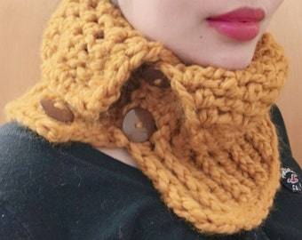 Button Me UP Cozy Cowl