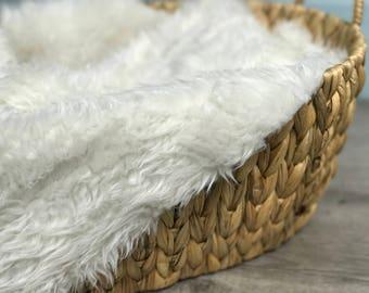 18x20 Short Off White Short Length Mongolian Faux Fur Nest Newborn Photography Prop Large Stuffer Long Pile Faux Stuffer layering blanket