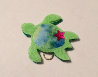 Sea turtle paperclip