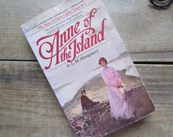 Anne of the Island Juvenile Fiction Young Adult Chapter Book Anne of Green Gables Series #3