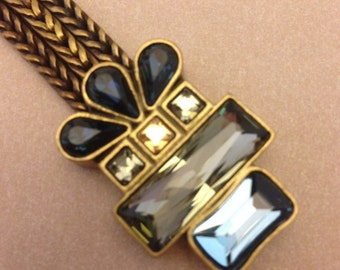 Striking Vintage Jewel Bracelet