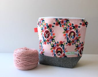 Small Zipper Project Bag- Cameos in Rose