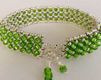 Green and Silver Seed Bead Bracelet, Green Bracelet, Beaded Bracelet, Unique Bracelet, Silver Bracelet
