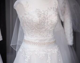 A belt made of crystals, crystal bridal belt, bridal accessories, wedding, bridal sashes, rhinestone sash, crystal belts, belts & sashes