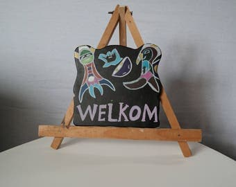 Handmade welcome sign black