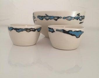 A set three bowls