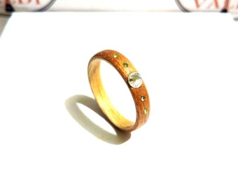 Woman's Wooden Ring. Bentwood Ring. Oak and Maple woods With Swarovski crystals