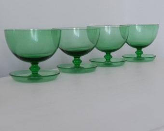 4 Vintage Green Glass Dessert Bowls, Sundae Dishes, Dessert Bowls, Vintage Glasses, Green Dessert Bowls, Kitchenalia,