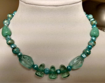 Teal pearl and acrylic necklace