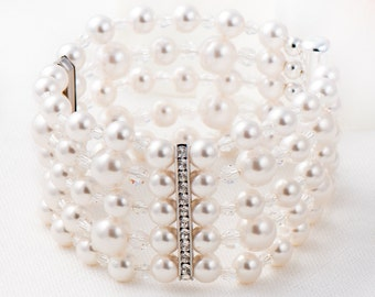 Bridal Bracelet Wedding Bracelet Bridesmaid Bracelet Pearl Bracelet Swarovski Bracelet Wedding Jewelry Crystal Bracelet Chunky Bracelet