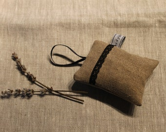 Lavender sachet in natural linen and Black Lace
