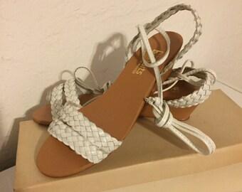 """Women's vintage 1970s """"bandits"""" sandals size 6 1/2"""