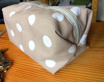 Squared Origami Zipped Pouch Pois