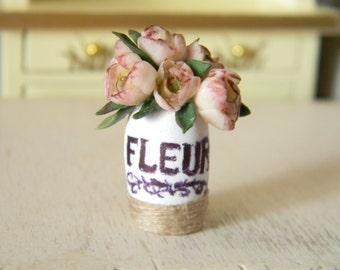 Dollhouse Flowers, Miniatures 1:12,  Miniature Flowers, Miniature Flower Bouquet, Miniature Ranunculus, shabby chic, dollhouse décor