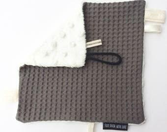 Suckling cloth Grey waffle fabric