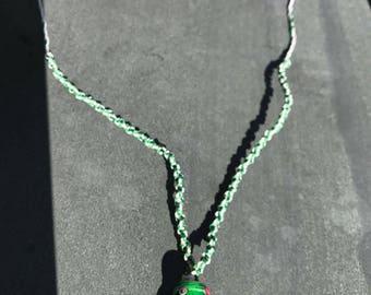Macramé necklace basketed stone