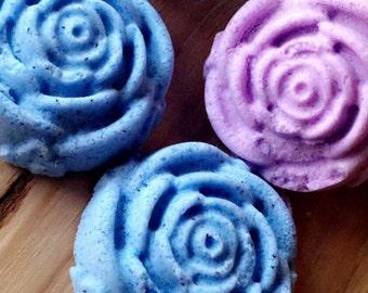 Rose shaped bath bombs