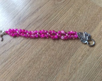 Pink glass beaded bracelet with leaf clasp