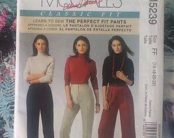 McCalls M5239 sewing pattern for ladies trousers, pants, variations in leg width. Learn to sew, Palmer Pletsch.